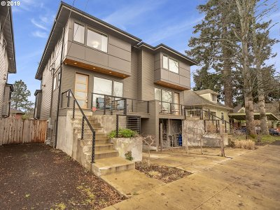 Portland Single Family Home For Sale: 3924 SE 34th Ave
