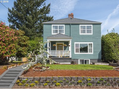 Portland Single Family Home For Sale: 8529 SE Alder St