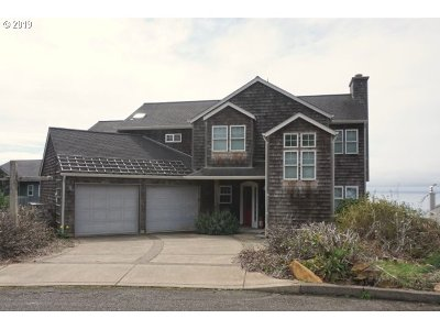 Lincoln City Single Family Home Bumpable Buyer: 5319 NE Port Pl