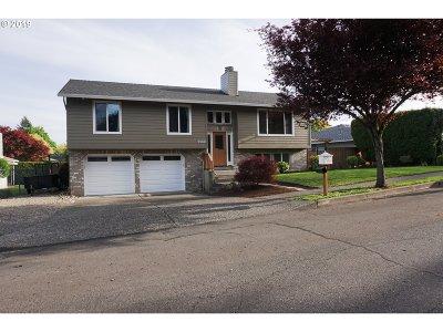 Gresham Single Family Home For Sale: 3792 SW 4th St