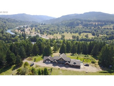 Brookings Single Family Home For Sale: 99847 S Bank Chetco Rd