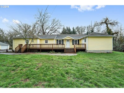 Clackamas County Single Family Home For Sale: 12929 SE Rusk Rd