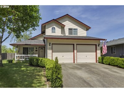 Forest Grove Single Family Home For Sale: 2819 22nd Pl