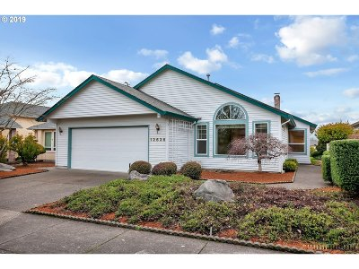 Tigard Single Family Home For Sale: 12636 SW Peachvale St