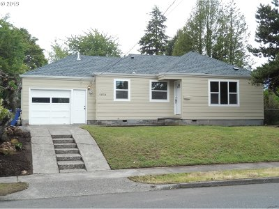 Portland Single Family Home For Sale: 4834 NE Prescott St