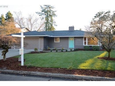 Beaverton Single Family Home For Sale: 12840 SW Camellia St