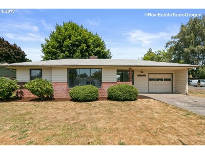 Forest Grove Single Family Home For Sale: 3037 22nd Pl