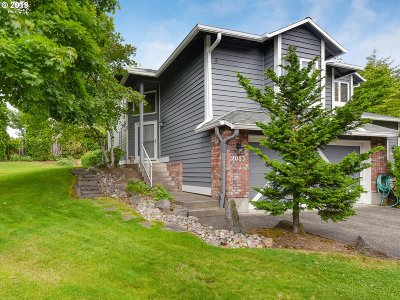 West Linn Single Family Home For Sale: 2083 Sunray Cir