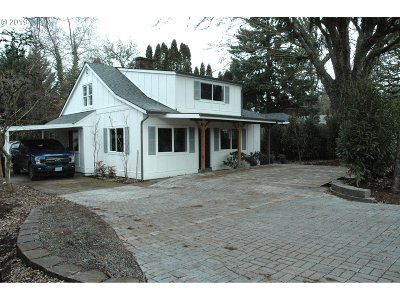 Portland Single Family Home For Sale: 6805 SW 92nd Ave