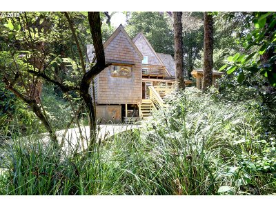 Cannon Beach Single Family Home For Sale: 131 Hills Ln