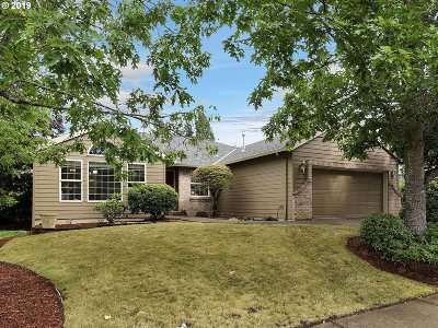 Beaverton Single Family Home For Sale: 170 NW 152nd Ave