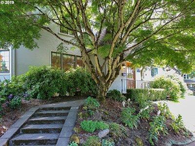 Portland Single Family Home For Sale: 2924 NE Regents Dr