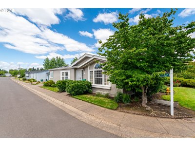 Eugene Single Family Home For Sale: 4055 Royal Space 25 Ave #25