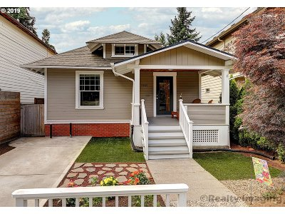 Single Family Home For Sale: 7413 N Stockton Ave