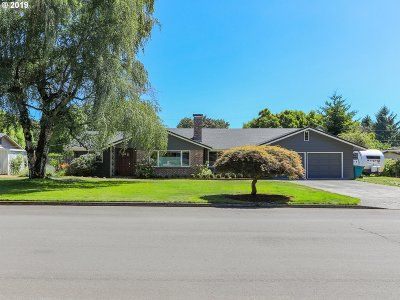 Vancouver Single Family Home For Sale: 4509 Willamette Dr