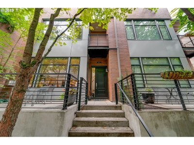 Portland Condo/Townhouse For Sale: 1620 NW Riverscape St