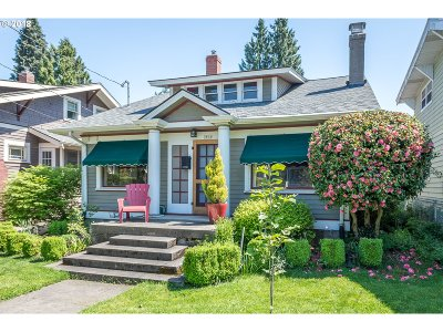 Portland Single Family Home For Sale: 2804 SE 35th Ave