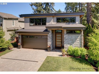 Lake Oswego Single Family Home For Sale: 125 Middlecrest Rd
