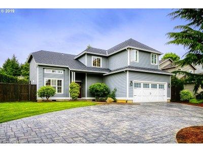 Portland Single Family Home For Sale: 14739 SW Grandview Ln