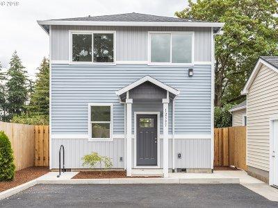 Condo/Townhouse For Sale: 12335 SE Bush St
