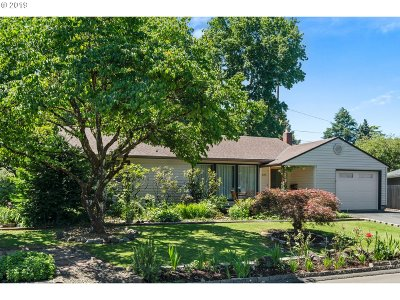 Beaverton Single Family Home For Sale: 5155 SW Chestnut Ave