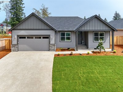Estacada OR Single Family Home For Sale: $429,000