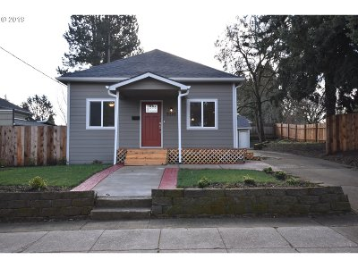 Single Family Home For Sale: 9320 N Bristol Ave
