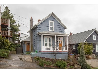 Single Family Home Pending: 015 SW Bancroft St