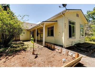 Springfield Single Family Home For Sale: 731 F St