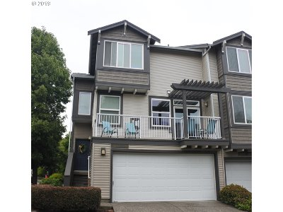 Condo/Townhouse For Sale: 13760 SW Scholls Ferry Rd #101