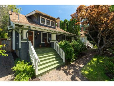 Portland Single Family Home For Sale: 1724 SE 56th Ave