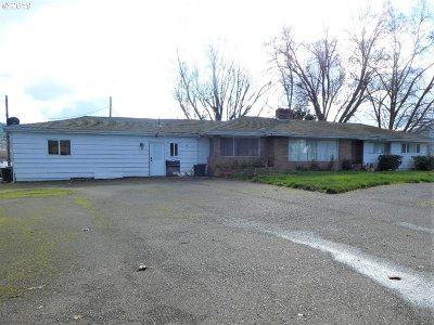 Roseburg Single Family Home For Sale: 392 Dairy Loop Rd