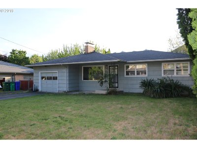 Portland Single Family Home For Sale: 711 SE 148th Ave