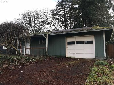 Estacada Single Family Home For Sale: 410 SW Ivy Rd