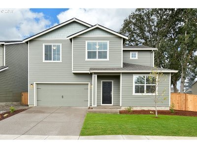 Molalla Single Family Home For Sale: 864 North Valley Dr