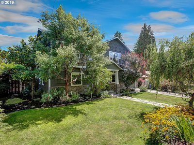 Portland Single Family Home For Sale: 6114 SW 50th Ave