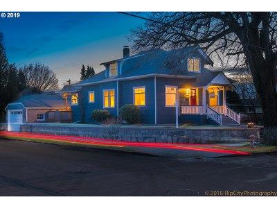 Portland Single Family Home For Sale: 2888 SE Kelly St