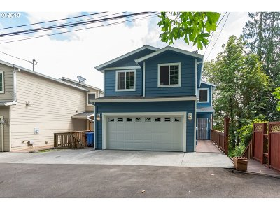 Multnomah County Single Family Home For Sale: 9530 NW Roseway Ave