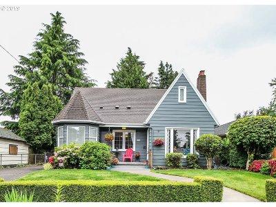 Single Family Home For Sale: 5124 NE Wasco St