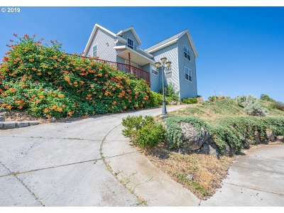 Umatilla County Single Family Home For Sale: 45 Cliff St