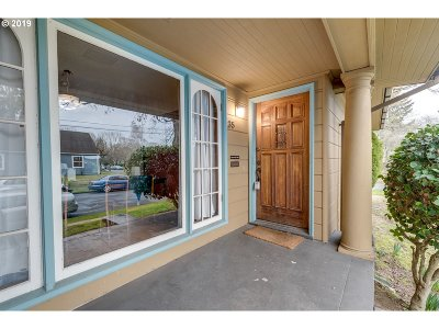 Portland OR Single Family Home For Sale: $500,000