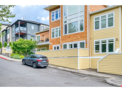 Portland Condo/Townhouse For Sale: 3010 NW Montara Loop