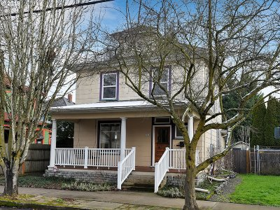 Single Family Home For Sale: 2926 NE Rodney Ave