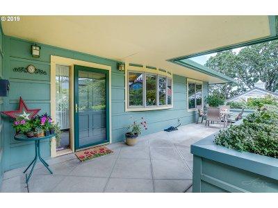 Salem Single Family Home For Sale: 2765 Bolton Ter S