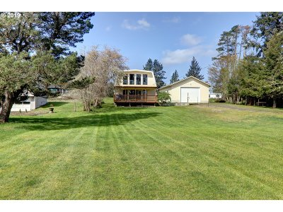 Single Family Home For Sale: 90704 Clark Rd