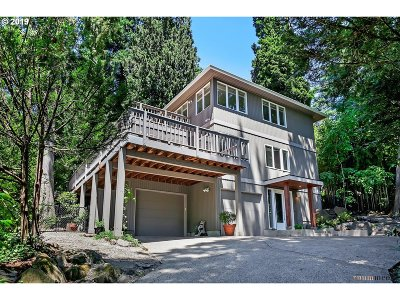 Lake Oswego Single Family Home For Sale: 2358 Summit Dr
