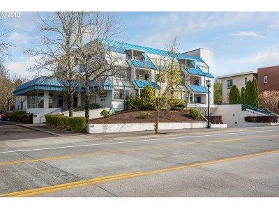 Happy Valley, Clackamas Condo/Townhouse For Sale: 8717 SE Monterey Ave #310