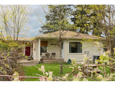 Clackamas County Single Family Home For Sale: 29895 S Wall St