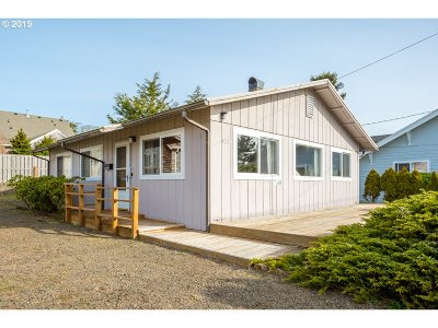 Seaside Single Family Home For Sale: 420 9th Ave