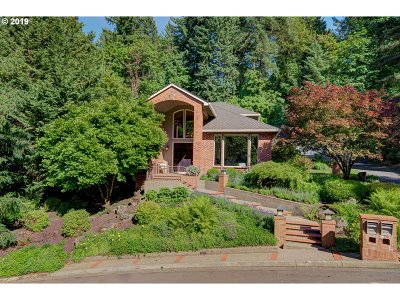 Lake Oswego Single Family Home For Sale: 2008 Ridgewood Rd
